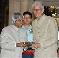 Description: BC Roy Award from President APJ Abul Kalam
