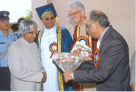 Description: Receiving President of India, APJ Abul Kalam